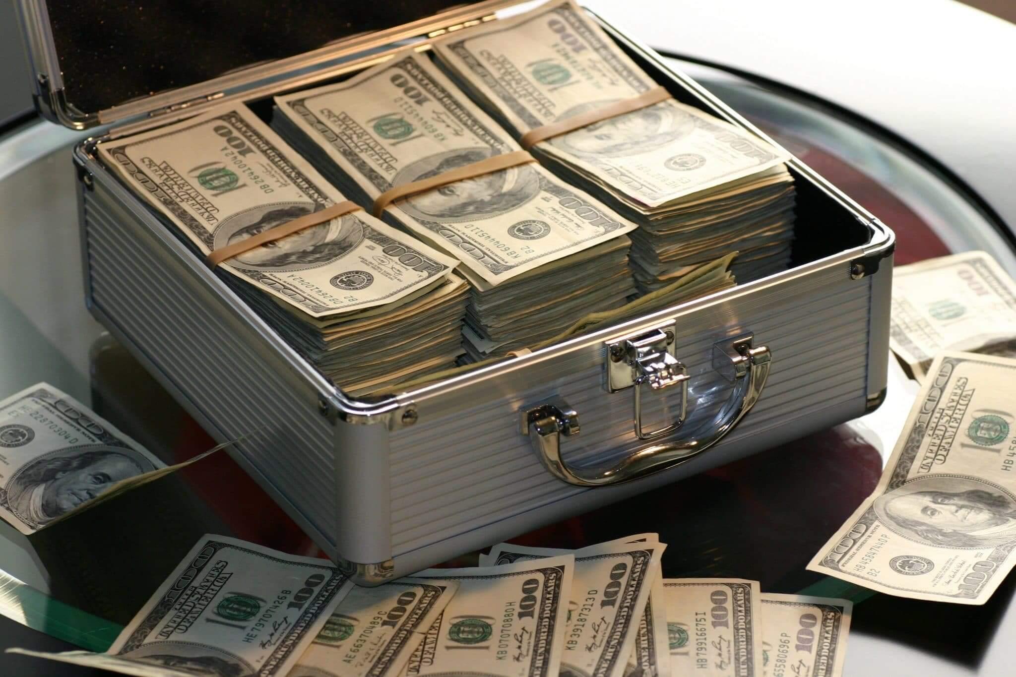 Znepokojujúci výsledok koronakrízy – bohatší sú ešte bohatšími