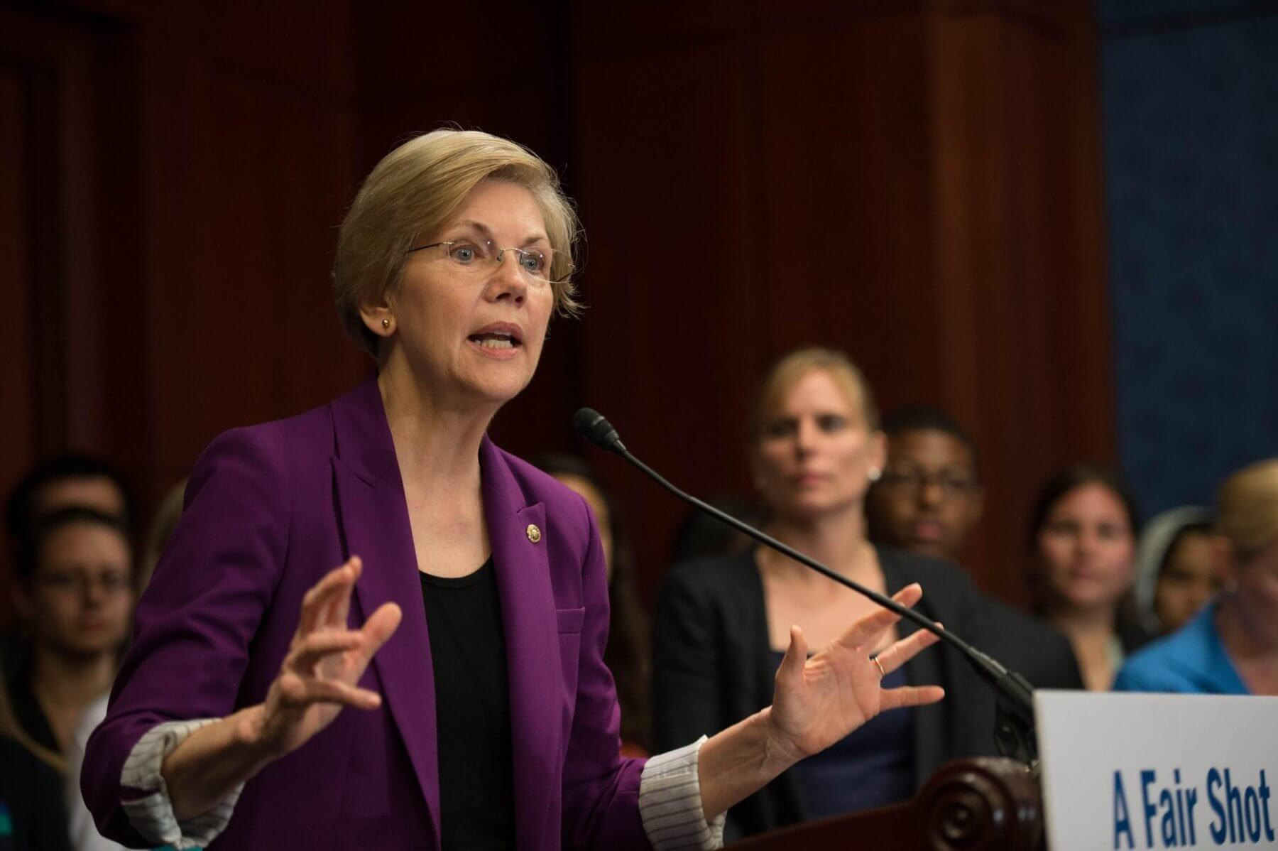 """10.06.21 Americká senátorka: """"krypto je falešná a mizerná investice"""""""